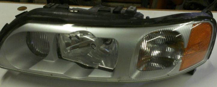 headlight left volvo s60r headlight xenon left complete w bulb w ballast w wiper volvo s60 headlight wiring harness at bakdesigns.co